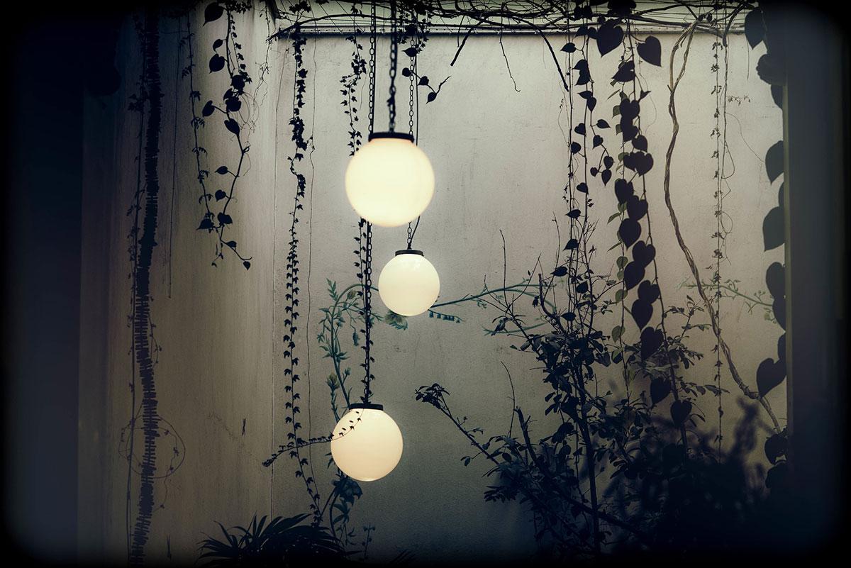 Cadres, miroirs, objets à fixer aux murs...Les objets déco des murs extérieurs